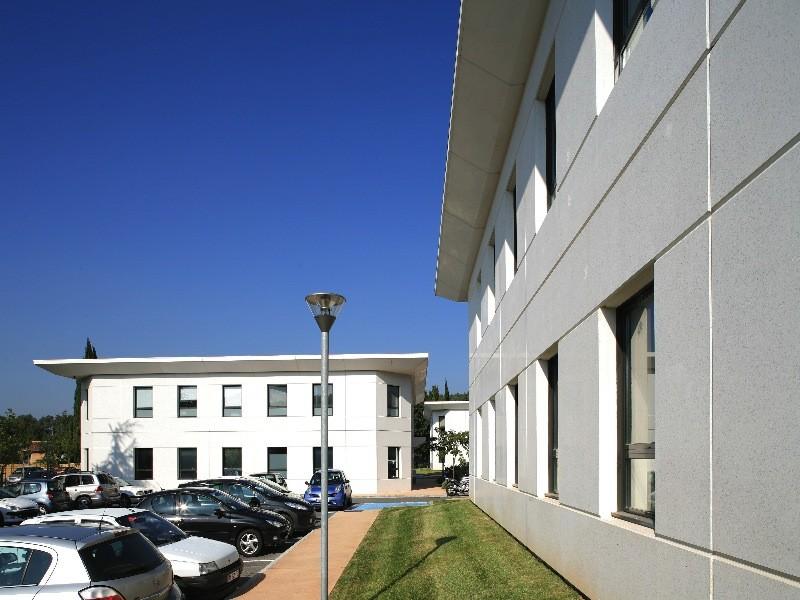 programme immobilier bureaux aix en provence 2008 les carres de l 39 arc meyreuil figuiere. Black Bedroom Furniture Sets. Home Design Ideas